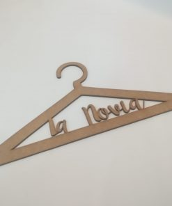 Percha de madera personalizada